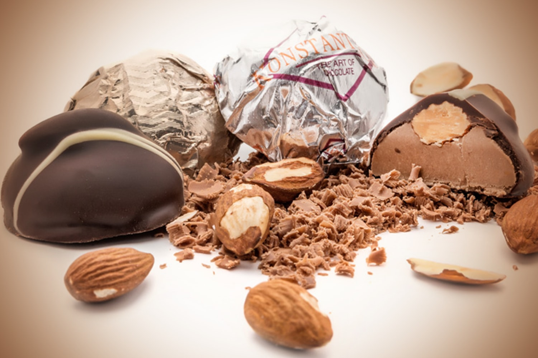 Σοκολατίνι αμυγδάλου - Almond confection